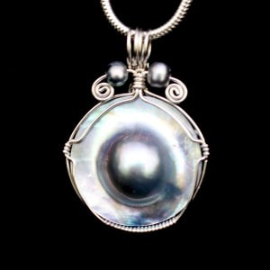 Grey Mabe Pearl Pendant