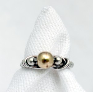 Simple Three Bead Ring